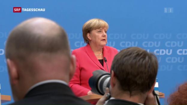 Video «Rolle rückwärts: Merkel und die Flüchtlingspolitik» abspielen
