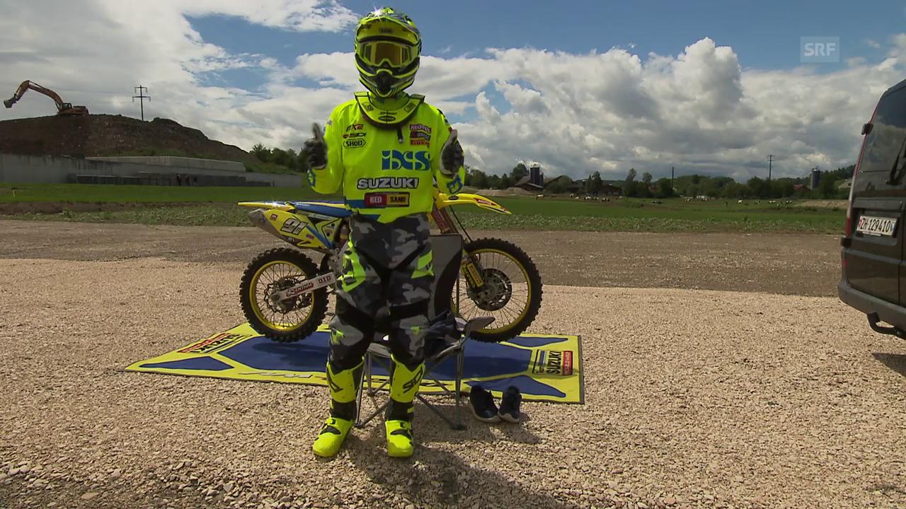 Jeremy Seewer erklärt die Ausrüstung eines Motocrossers