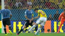 Link öffnet eine Lightbox. Video Rodriguez brilliert gegen Uruguay abspielen