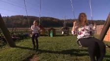 Link öffnet eine Lightbox. Video Kinder-Spezial – Tag 2 – Susann's Beizli, Oberembrach abspielen