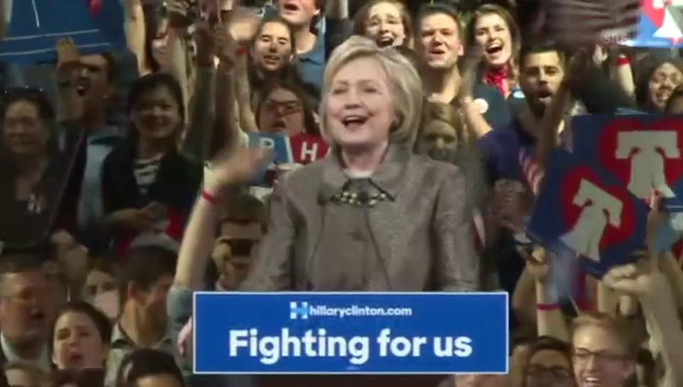 Hillary Clinton feiert sich und ihre Partei