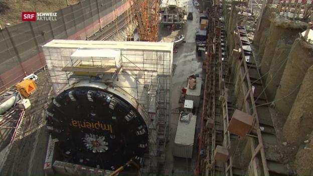 Video «2000-Tonnen-Monster frisst sich durch den Bözberg» abspielen