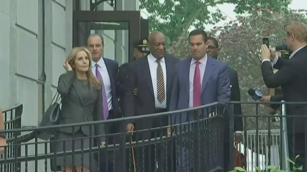Video «Bill Cosby erscheint vor Gericht» abspielen