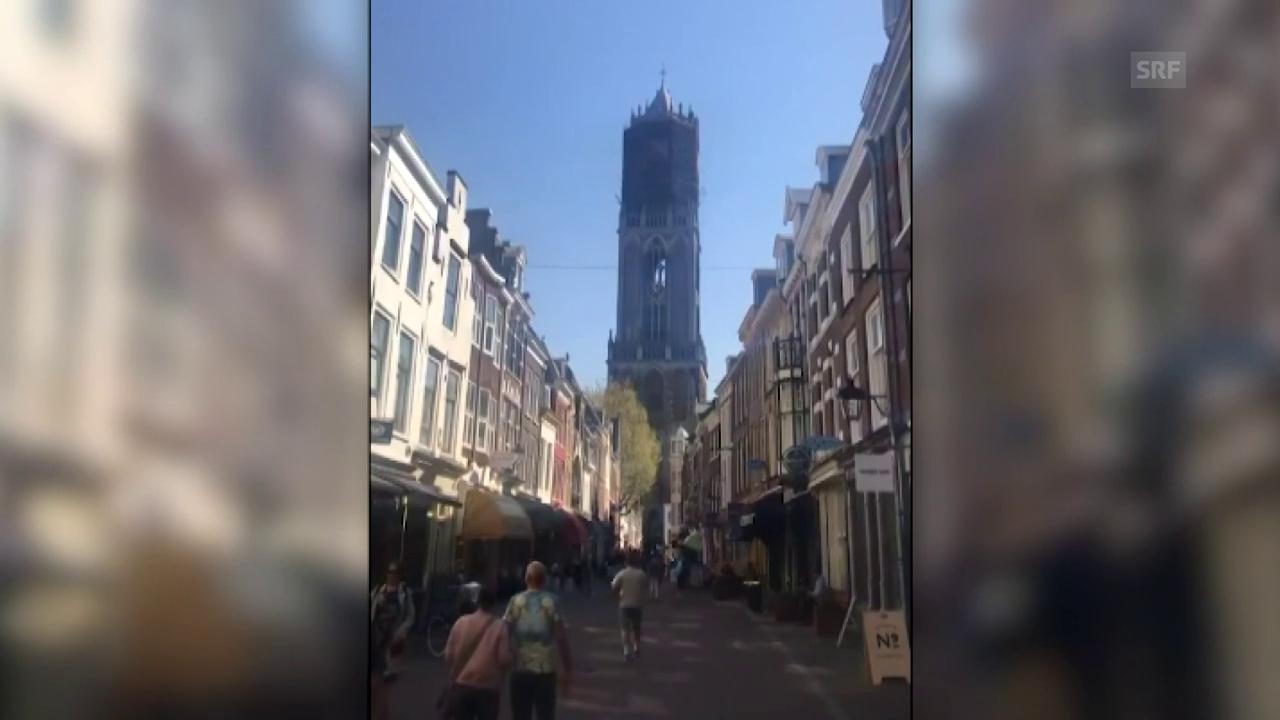 Kirchenglocken in den Niederlanden spielen Aviciis Lied