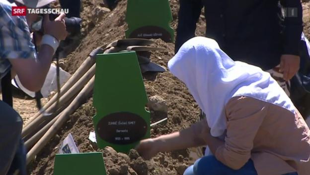 Video «Gedenkfeiern in Srebrenica» abspielen