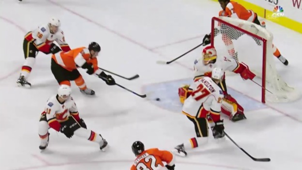 Video «3. Sieg in Folge: Philadelphia schiesst Calgary in die Krise» abspielen