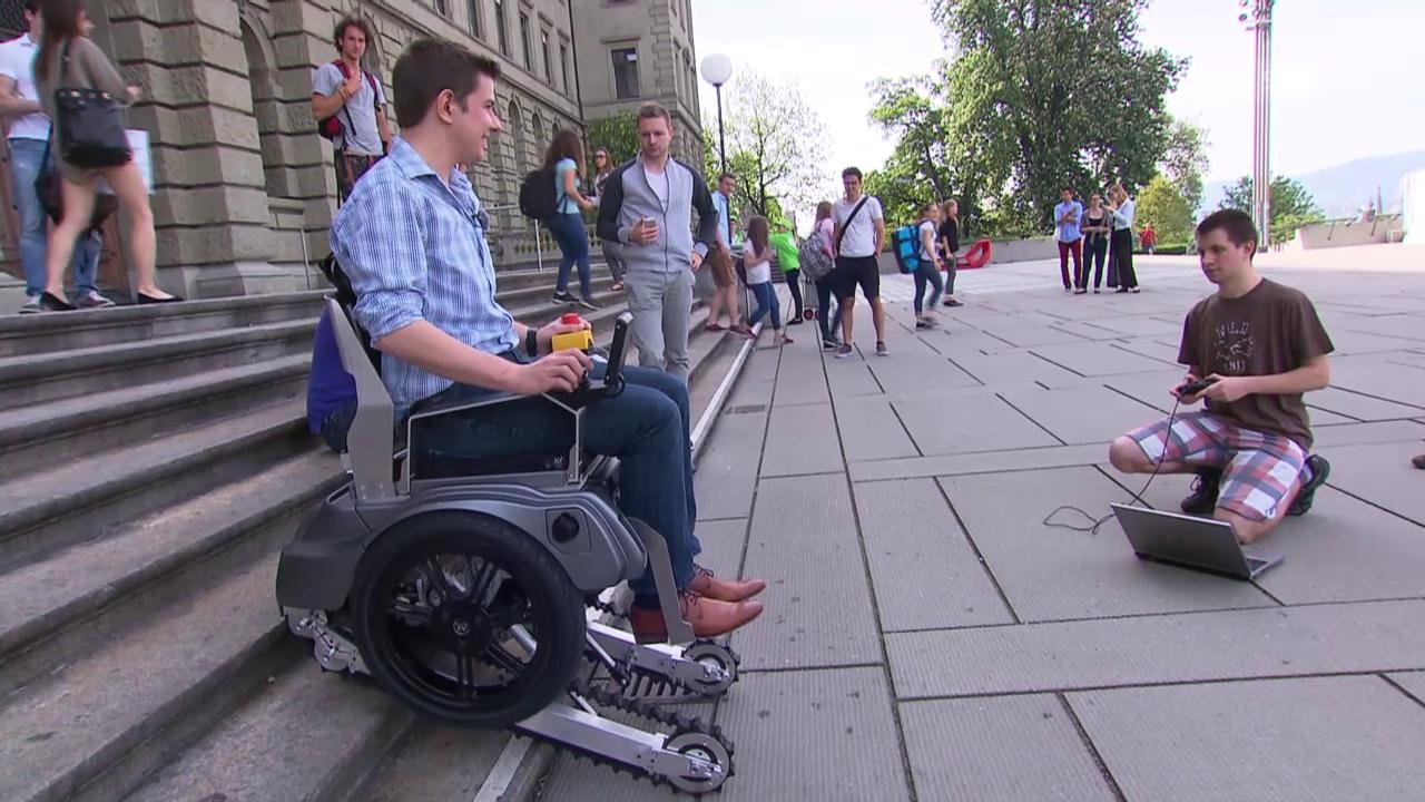 ETH-Student Bernhard Winter testet Rollstuhl «Scalevo» (SRF)