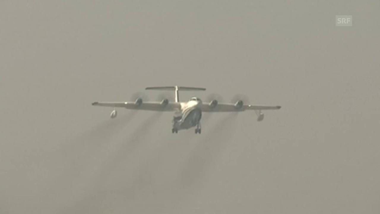 Chinesisches Wasserflugzeug startet