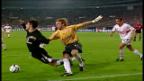 Video «2003: Ronaldo fällt, Van Nistelrooy trifft» abspielen