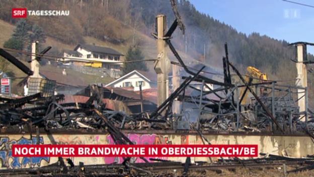 Video «Feuer in Oberdiessbach (BE)» abspielen