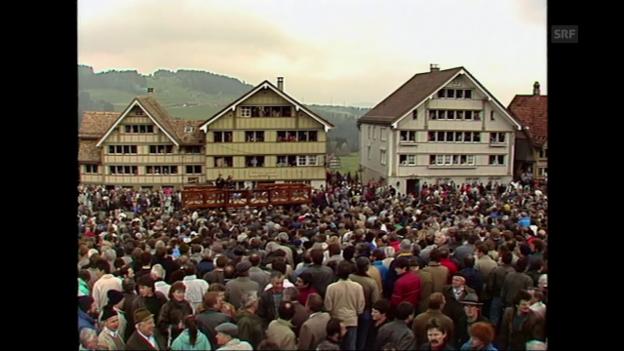 Video «Ausschnitte Landsgemeinde Hundwil vom 30. April 1989» abspielen