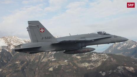 Link öffnet eine Lightbox. Video Neuer Glanz für alte F/A-18-Kampfjets abspielen