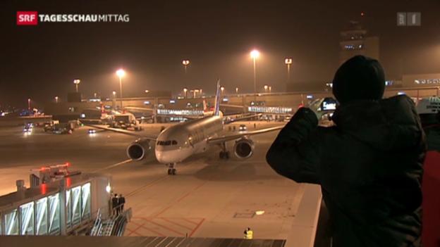 Video «Dreamliner zum ersten Mal in Zürich» abspielen