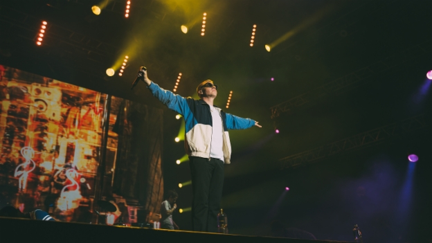 Video «Macklemore & Ryan Lewis - «Thrift Shop» Gurtenfestival» abspielen