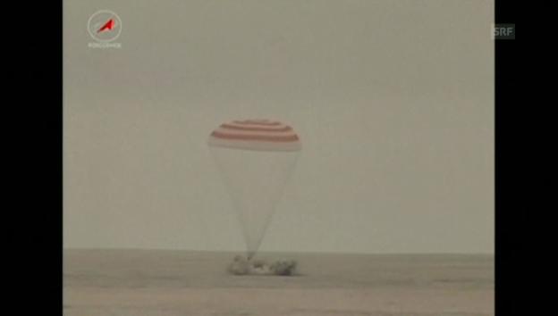 Video «Die Landung der Sojus-Kapsel – Astronaut Gerst berührt die Erde» abspielen