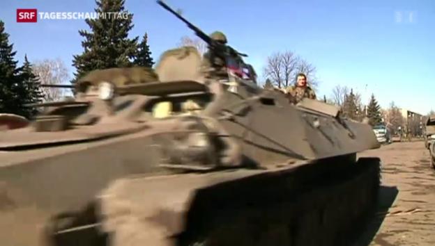 Video «Separatisten beginnen mit Waffenabzug» abspielen