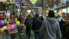 Video «Warmes Willkommen an deutschen Bahnhöfen» abspielen