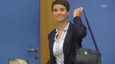 Link öffnet eine Lightbox. Video Eklat: Petry verlässt Bundespressekonferenz abspielen