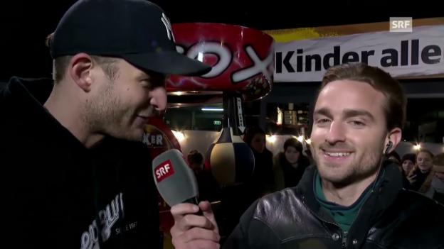 Video «Janosh gegen Julian - Der Bachelor mit seiner Boxmaschine» abspielen