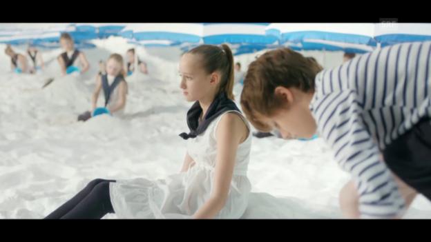Video ««Parachutes» Version 2» abspielen