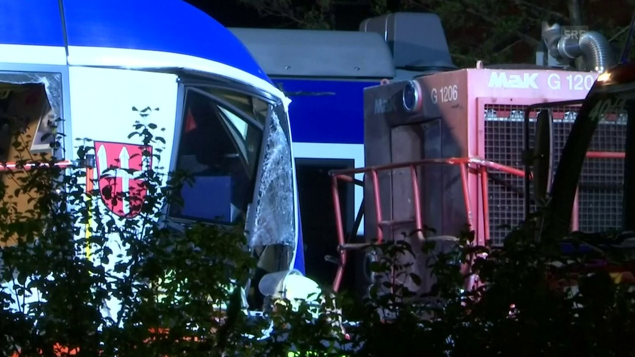 Zwei Züge stossen in Bayern frontal zusammen