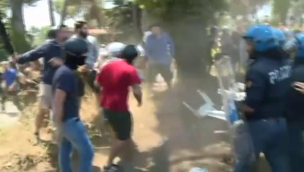 Video «Rechtsextreme Gewalt gegen Flüchtlinge» abspielen