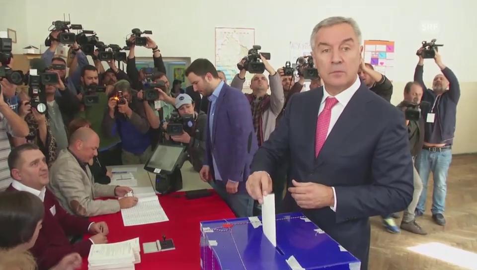 Gleiches Recht für alle: Djukanovic gibt (s)eine Stimme ab