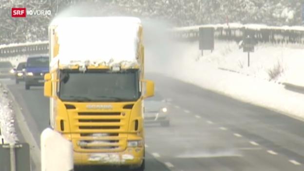 Video «Gefahr durch Eis auf Lastwagendächern» abspielen