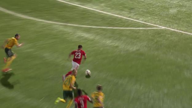 Video «Fussball: EM-Qualifikation, Litauen-Schweiz, Schweizer Konter zum 2:1» abspielen