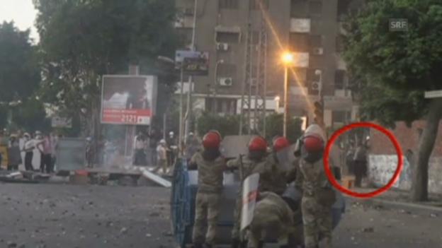 Video «Militärvideo soll Gewalt der Pro-Mursi-Demonstranten beweisen» abspielen