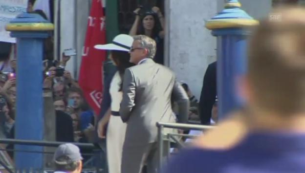 Video «George Clooney und Amal Alamuddin auf dem Weg zum Rathaus» abspielen