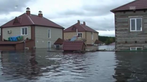 Video «Russland und China versinken in den Fluten» abspielen