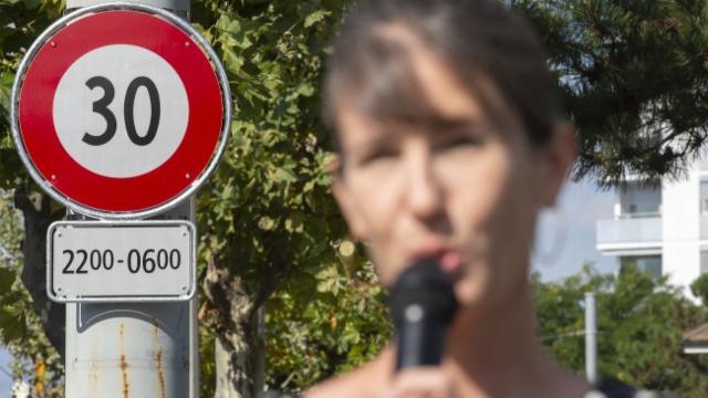 Stadträtin Germond verschwindet im Strassenlärm