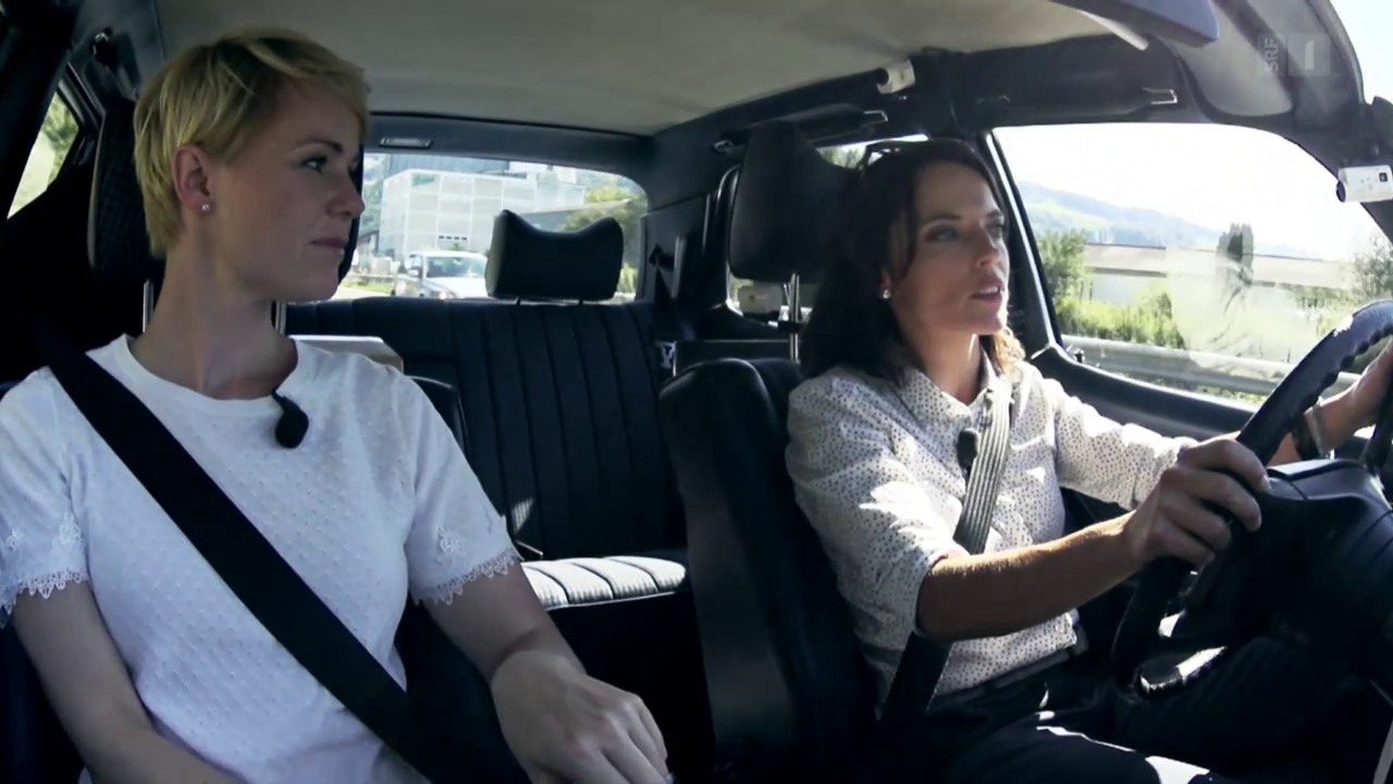 Ein politisches Roadmovie mit Natalie Rickli (SVP) und Andrea Caroni (FDP)