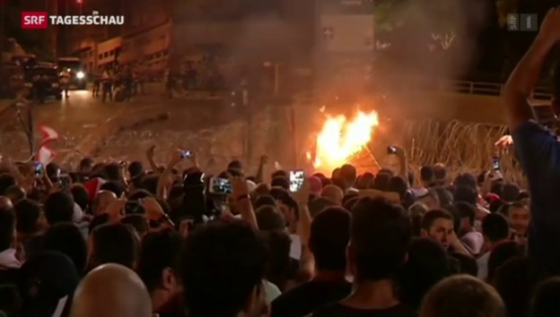 Video «Proteste in Beirut» abspielen