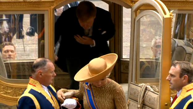 Video «König Willem-Alexander und Máxima in der Kutsche» abspielen