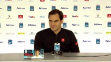 Link öffnet eine Lightbox. Video Federers Saisonrückblick und Ferienplanung abspielen
