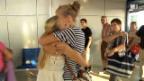 Video «Wiedersehensfreude am Flughafen von Kos» abspielen