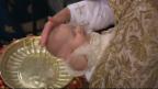 Video «Der kleinste Royal ganz gross: Taufe von Prinz Alexander» abspielen