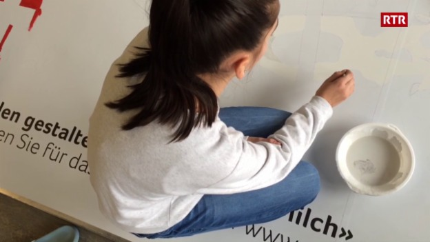 Laschar ir video «Scolars da Rueun creeschan in placat per la concurrenza da Swissmilk»