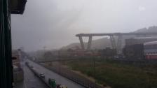 Link öffnet eine Lightbox. Video Vierspurige Autobahnbrücke eingestürzt abspielen