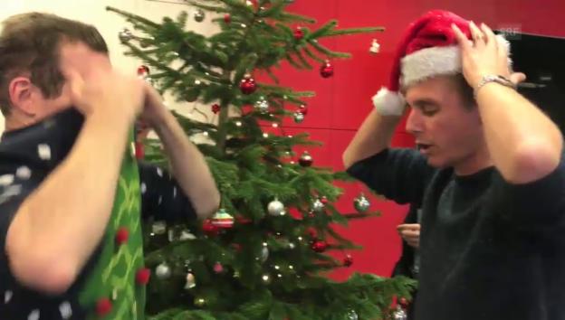 Video «Ausziehen für «2 x Weihnachten»» abspielen