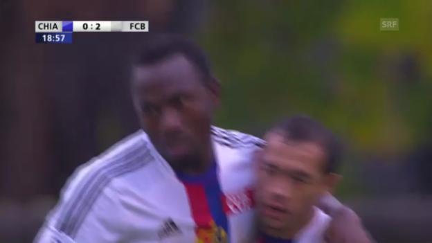 Video «Die 2 letzten Tore von Zoua für den FCB (11.11.2012)» abspielen