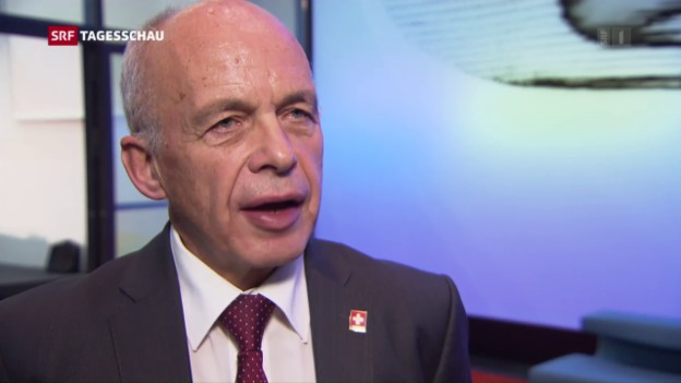 Video «Bundesat präsentiert künftige Finanzmarkpolitik» abspielen