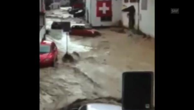 Video «Altstätten: Autos treiben durch die Stadt» abspielen