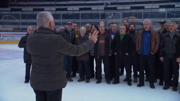 Video «Röbi Koller versucht sich als Chorleiter» abspielen