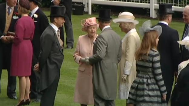Video «Die britischen Royals in Ascot (unkom. Video)» abspielen
