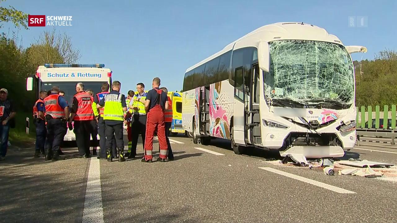 15 Verletzte nach Auffahrkollision mit Reisecar