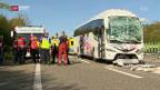 Video «15 Verletzte nach Auffahrkollision mit Reisecar» abspielen