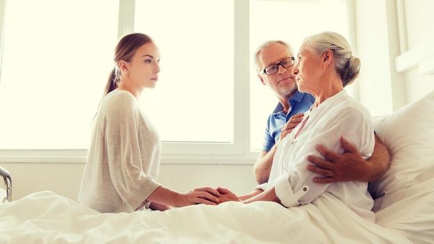 Verwirrt im Spital – Ein Delir gehört richtig behandelt